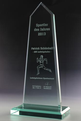 12 glaswert-trophy-pyramis-glaspokal