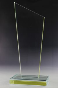"""Glastrophäe """"Quino Gelb Award"""" mit Glasgravur"""