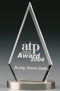 "Glastrophäe ""Metallicus Pyramid Award"" mit Glasgravur"