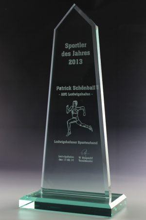 "Glastrophäe ""Pyramis Award"" mit Glasgravur"