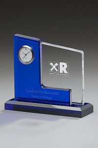 glaswert-acrylic-clock-blue-award-trophaeen-glaspokal