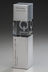 glaswert-metal-cubix-gravur-lasertechnik-glaspokal-auszeichnung