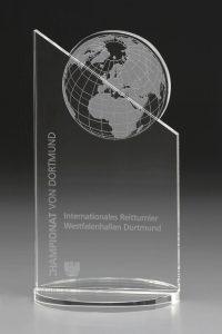 """Glaspokal """"Dominato Award"""" mit Lasergravur"""