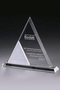 glaswert-crystal-ice-triangle-glaspokal-trophy
