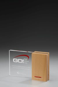 "Glaspokal ""Lucus Side Award"" mit Lasergravur"