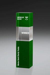 "Glaspokal ""Prasinus Cube Award"" mit Lasergravur"