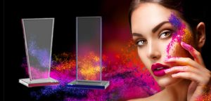 Glastrophäen der Color Edge Kollektion von Glaswert