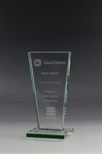 Glaspokale, Awards, Gravur, Awards gravieren, Glaspokal mit Gravur, Lasergravur, Acryglastrophäe, Pokal mit Lasergravur, Awards mit Lasergravur,
