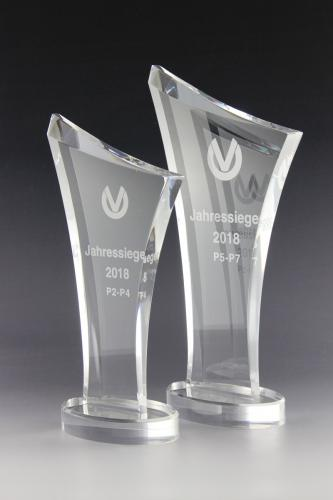 acrylglaspokal-award-lasergravur-dvag