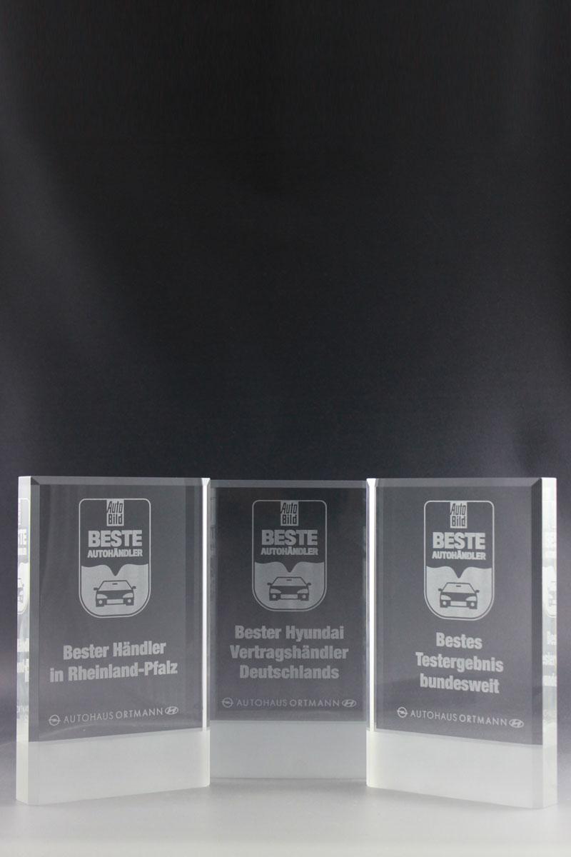glaspokal-autohaus-ortmann-glastrophäe