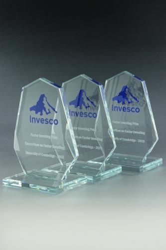 glaspokal-award-folienschnitt-lasergravur-veredelung-invesco