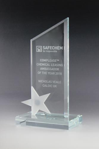 glaspokal-award-kristallglas-milchglas-ehrung-preise-safechem