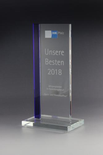 glaspokal-kristallglas-auszeichnung-medienpreis-ihk-besten.pfalz