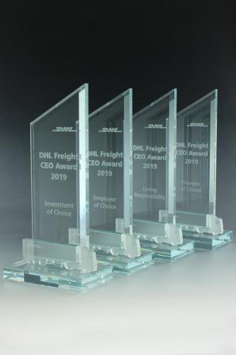 glaspokal-lasergravur-kristallglas-auszeichnung-ehrung-acryl-lkw-frosted-dhl-freight