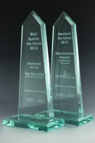 glaspokal-lasergravur-sportauszeichnung-sportler-des-jahres--trophy