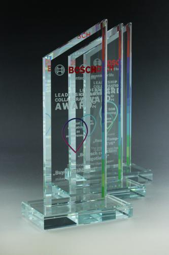 glaspokal-trophy-lasergravur-folienschnitt-veredelung-bosch