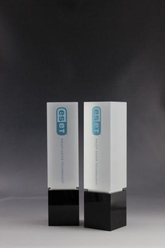 Glaspokal der Cubix Kollektion mit UV-Direktdruck veredelt