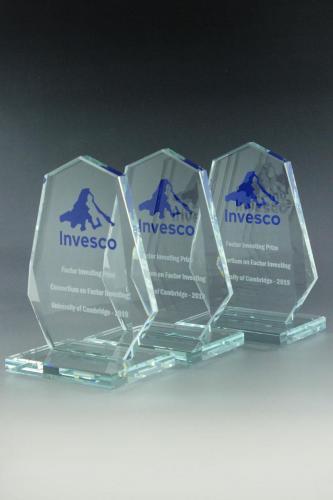 glaspokal-invesco-award-glastrophäe