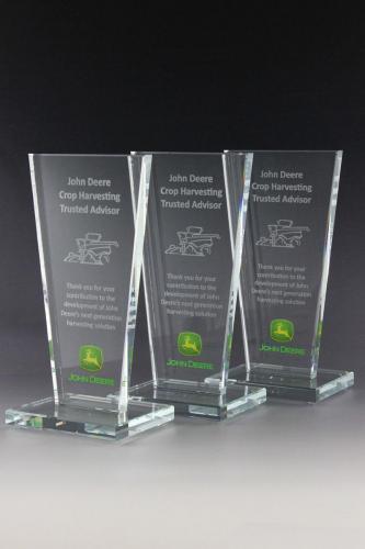 glaspokal-johndeere-award-glastrophäe