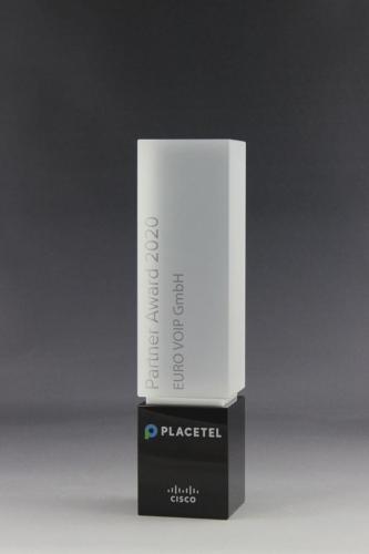 Glaspokal der Cubix Award Kollektion für die Firma Placetel mit UV-Direktdruck