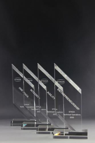 Glaspokale mit Lasergravur für die Firma Stada