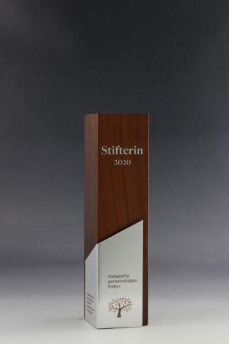 Glaspokal der Holz Cubix Kollektion mit einem UV-Direktdruck